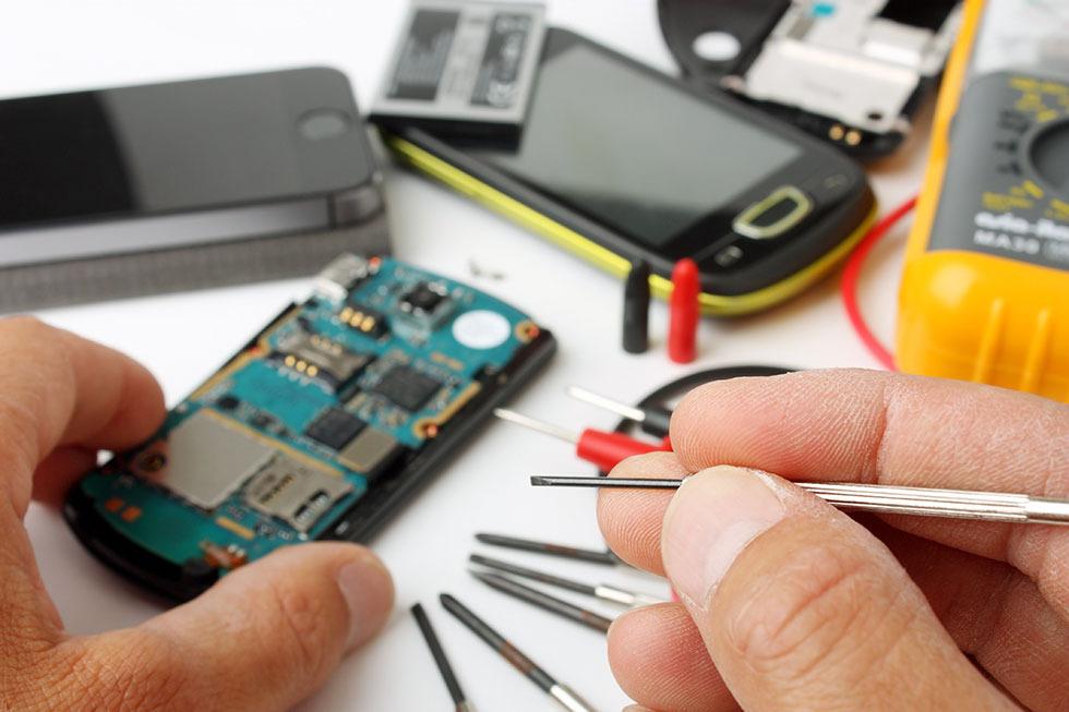 Técnicos têm direito à periculosidade quando expostos a equipamentos energizados