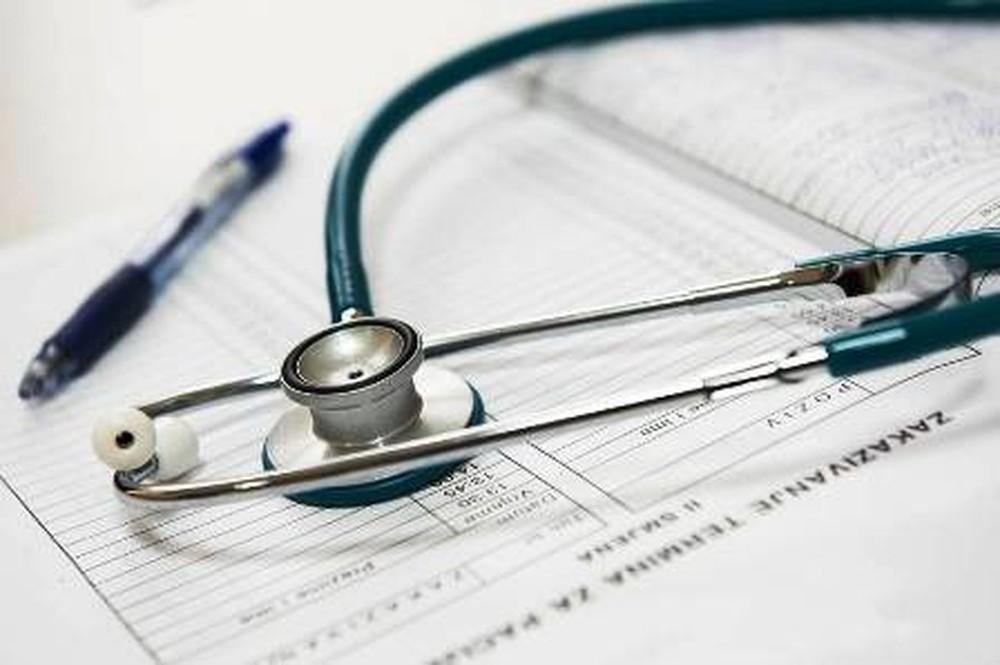 ANS suspende a venda de 46 planos de saúde; veja lista