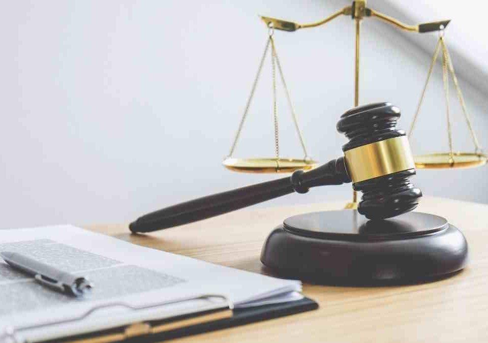 Mãe é condenada por ofender médica que sugeriu teste de covid-19