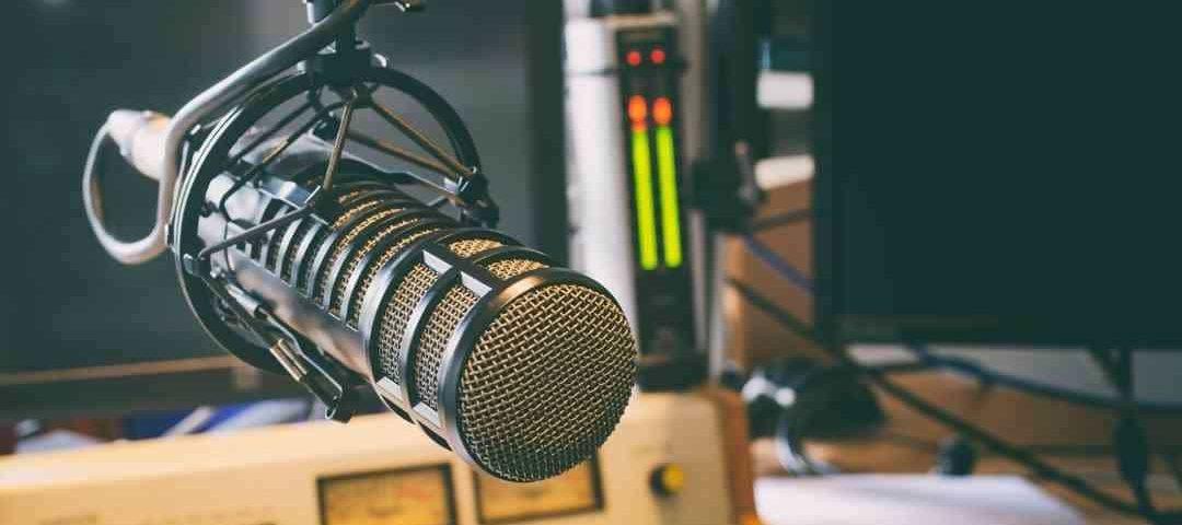 Emissora de rádio indenizará transgênero ofendido em programas