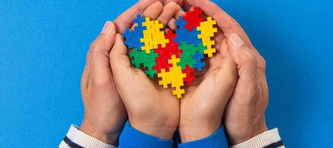 Ato solene aborda desafios enfrentados por autistas e familiares