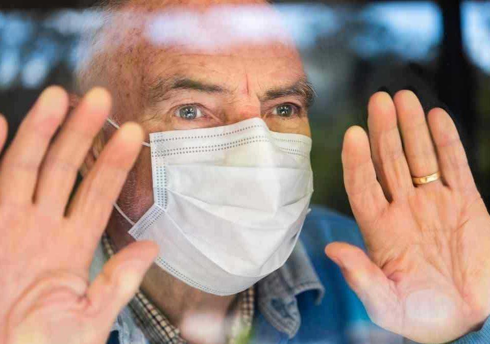 Nova decisão mantém prioridade de vacinação contra covid-19 para idosos